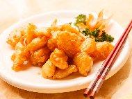Рецепта Автентични пилешки хапки в сладко кисел сос по китайски в пухкава и хрупкава панировка